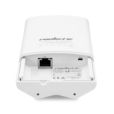 Ubiquiti Rocket M2 airMAX AP BaseStation, Freq 2.4GHz 150+Mbps, RP-SMA Connetor 2x2 MIMO, Hi-Power 28dBm, 1-Port 10/100 Ethernet